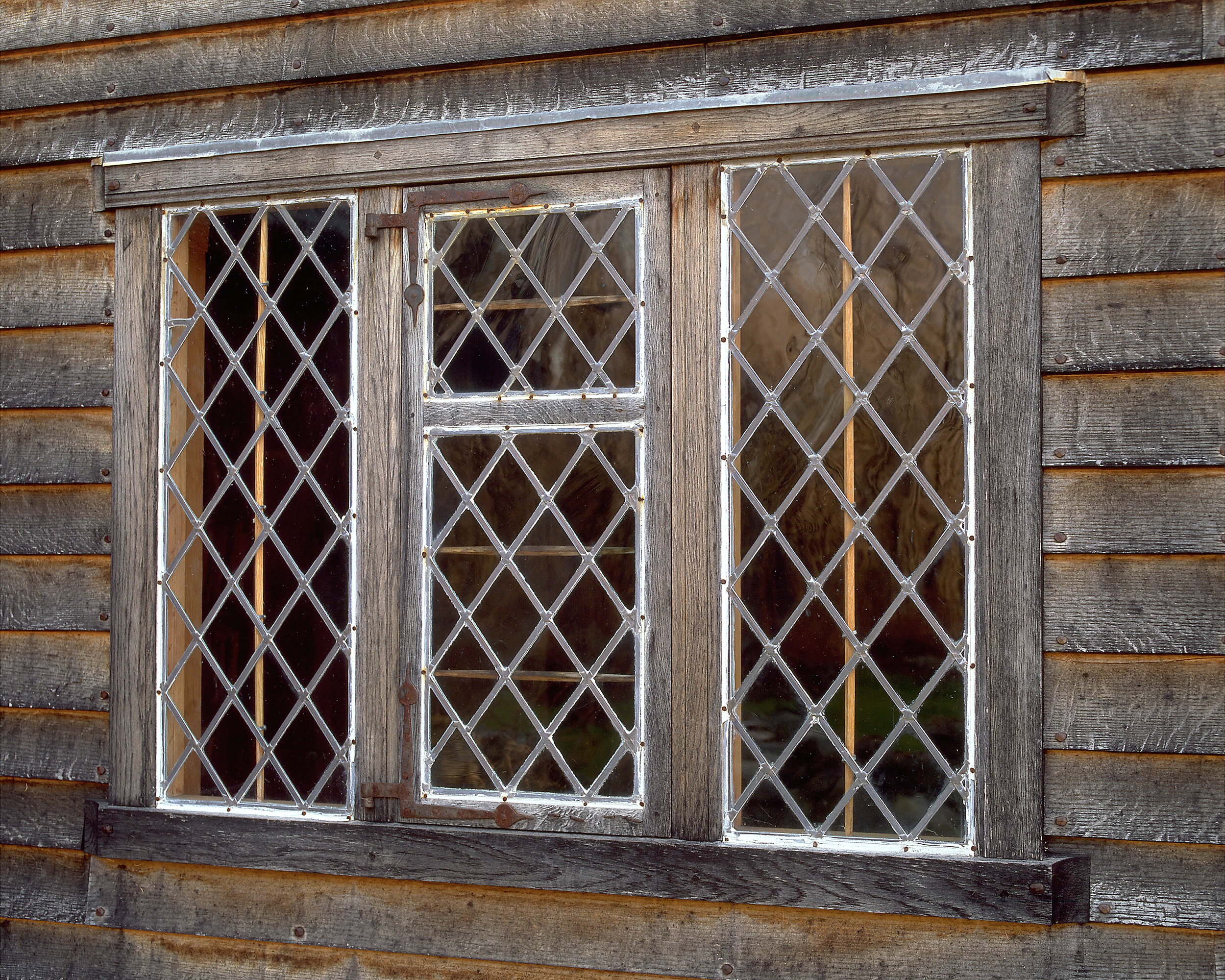 06DIAMOND WINDOW .jpg