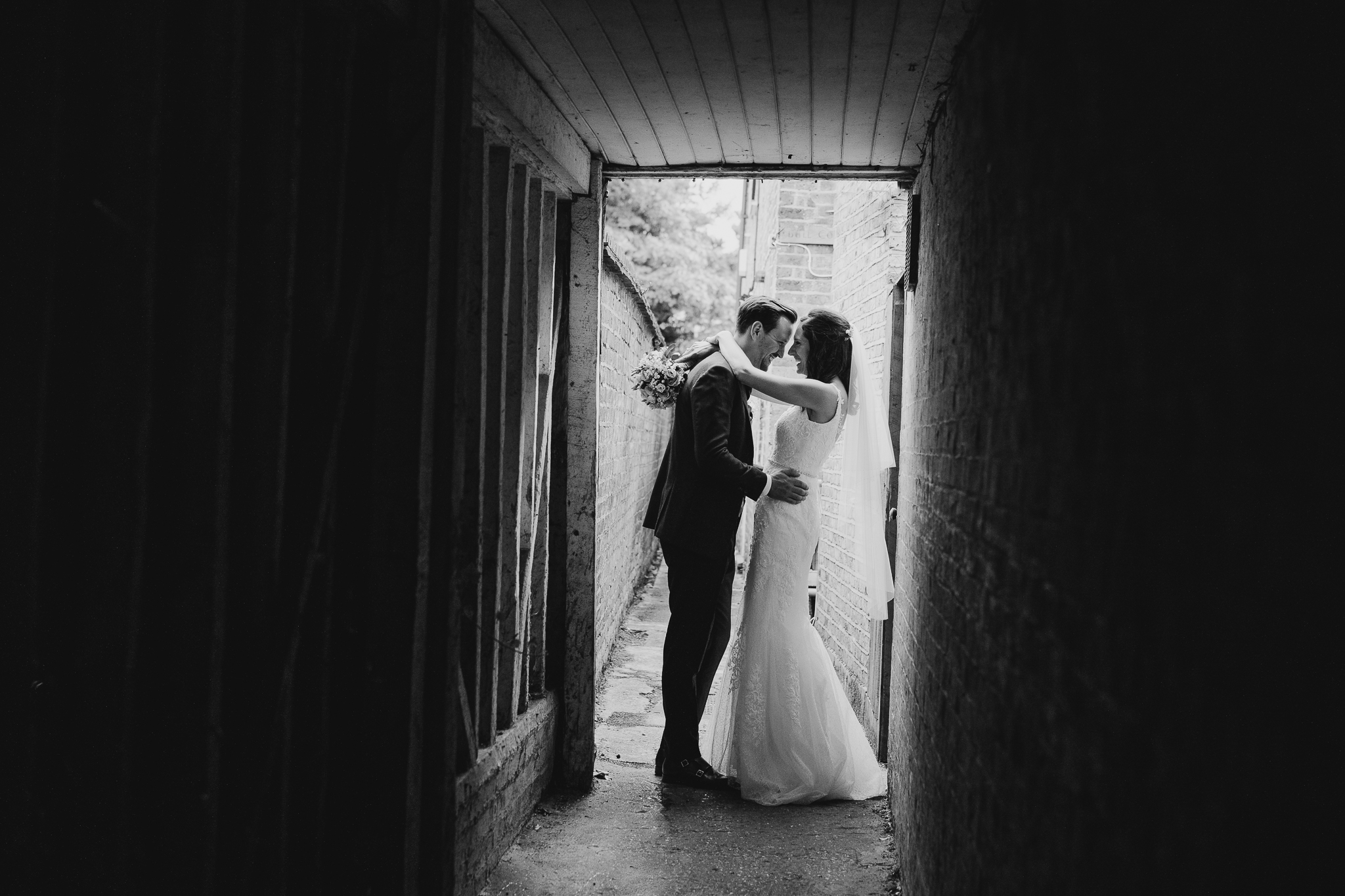 10 dos and don'ts of working with your wedding photographer -