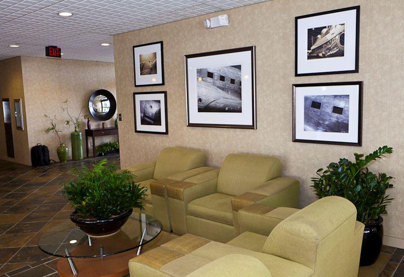 Atlantic Aviation - Main Lobby