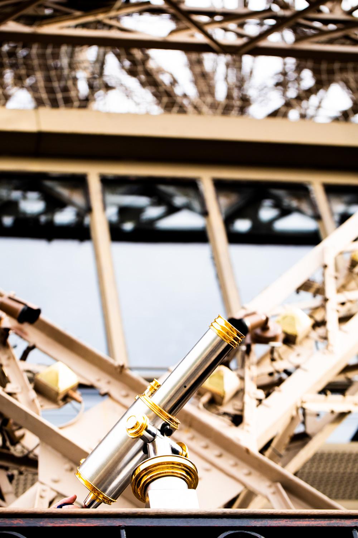 Eiffel Tower Telescope.jpg