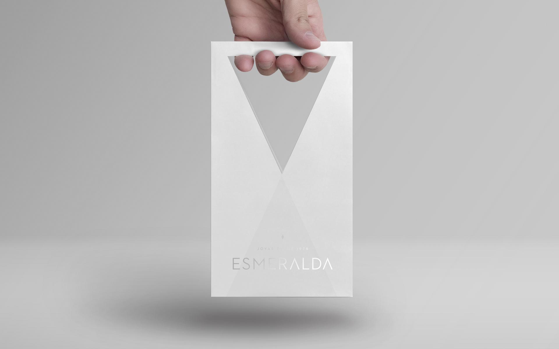 esmeralda-bolsa.jpg