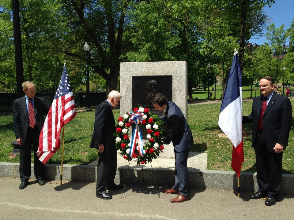 Consul General Fieschi and Normand Ouellette Laying the Wreath