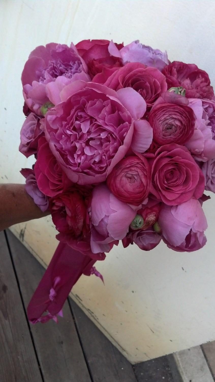 leslie turner magenta bouquet.jpg