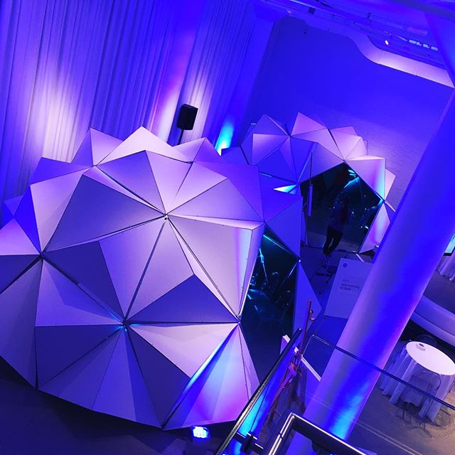 A couple of our #triambic domes set up for a corporate event with @generalelectric! #domes #geometric #art #decor #structuraldesign #experimental #corporateart #chicago #rivernorth