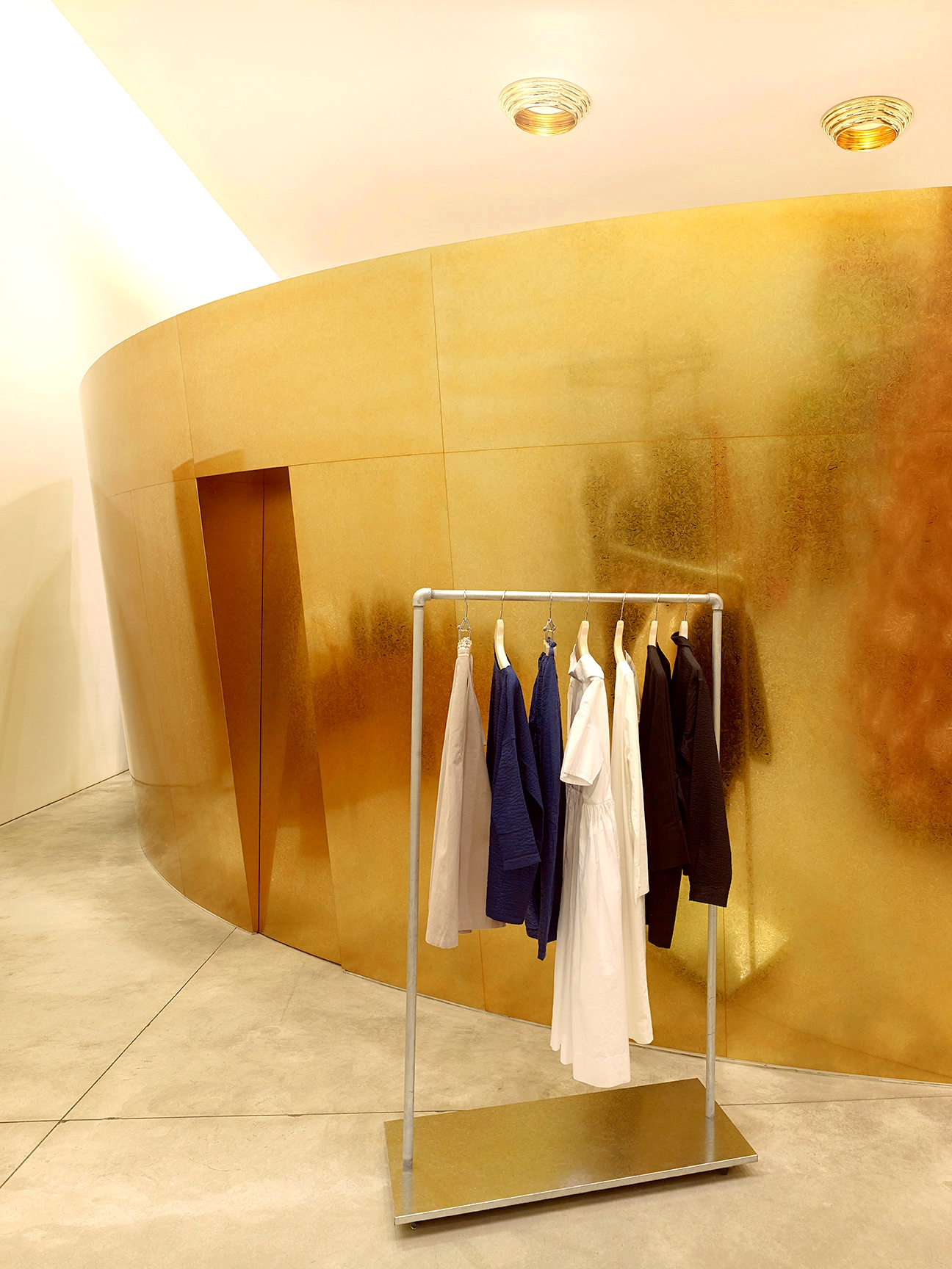 Comme des Garcons_W22nd_NYC Store_4a.jpg