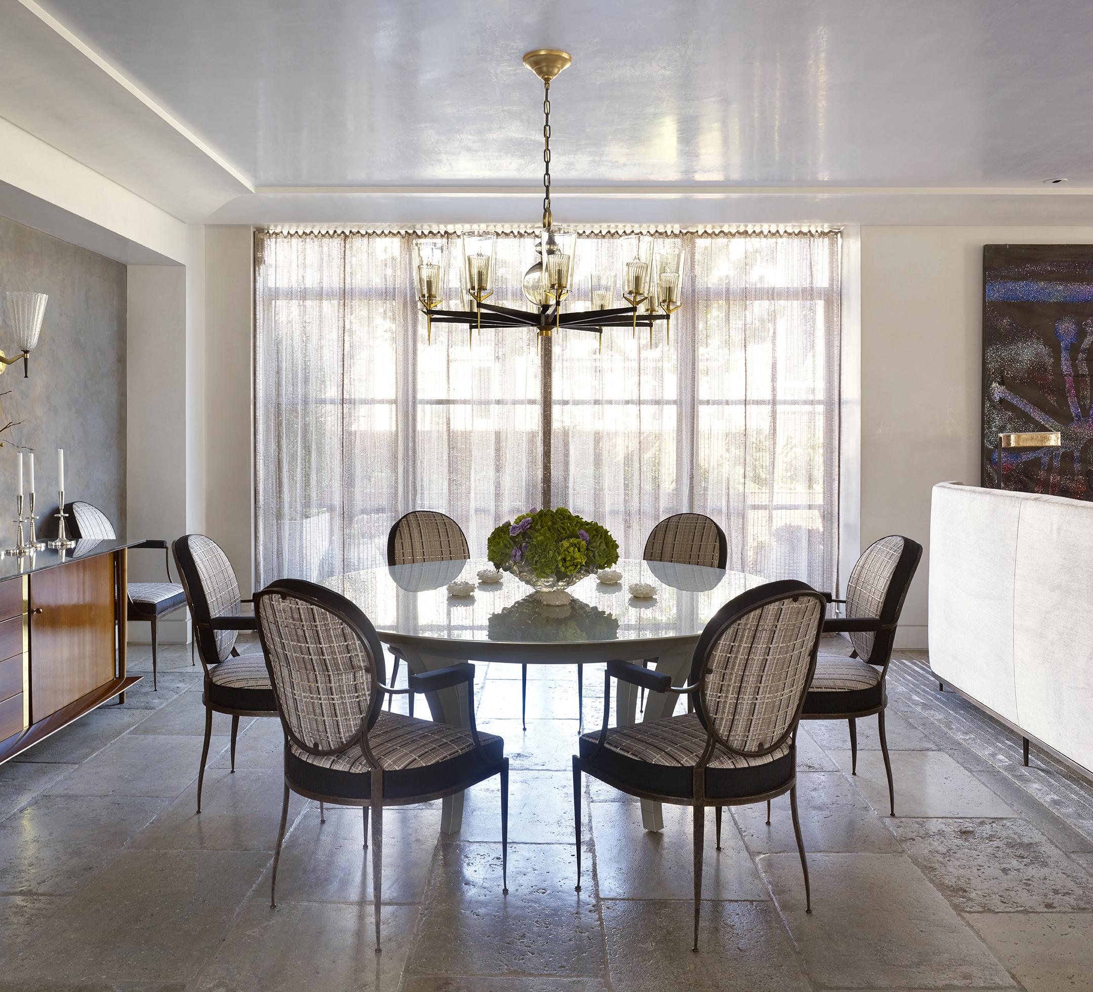 LUXE_121 W21_Dining Room 2_Curtains Closed_CROP_photo Peter Murdock.jpg