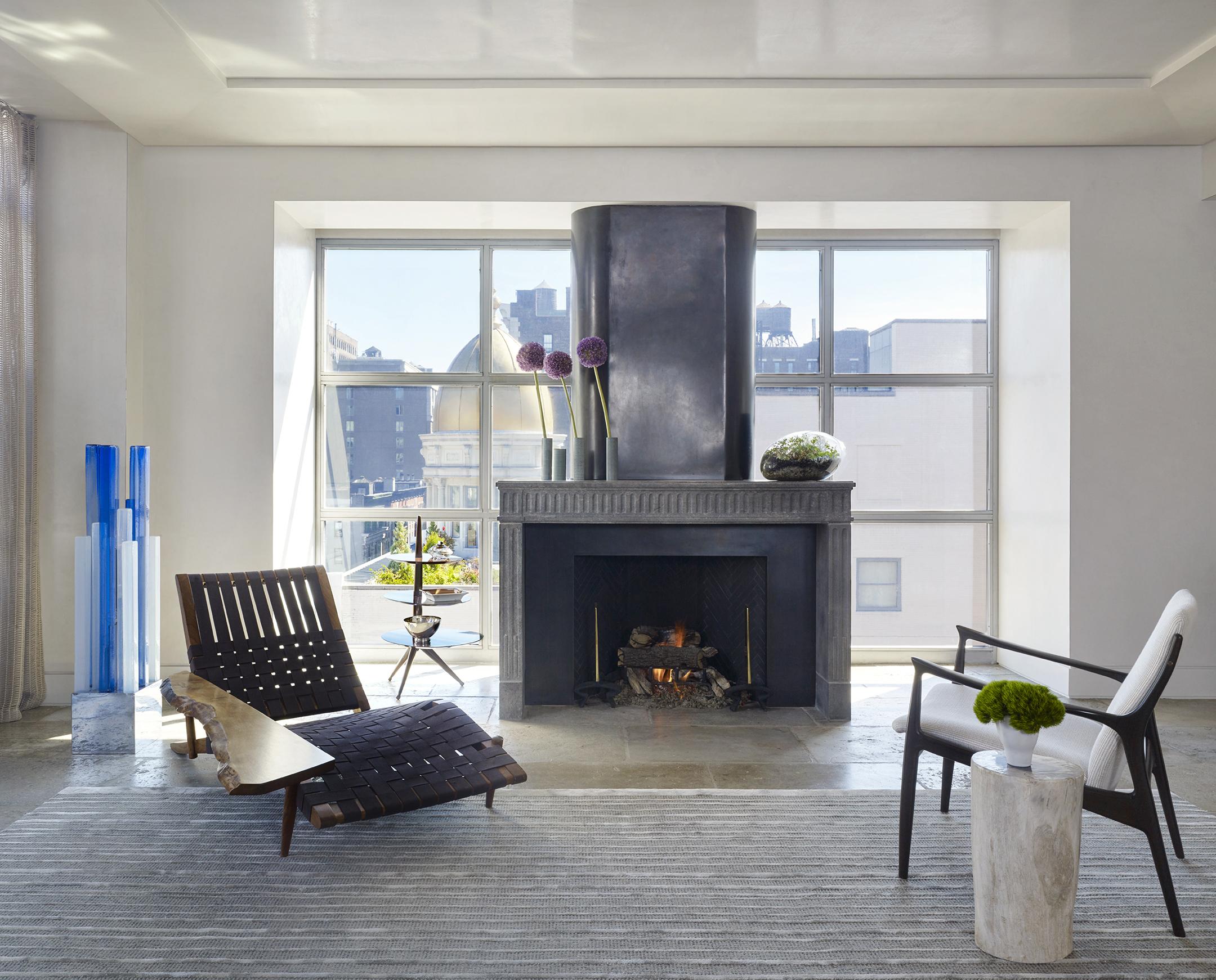 LUXE_121 W21_Living Room_1_CROP_photo Peter Murdock.jpg