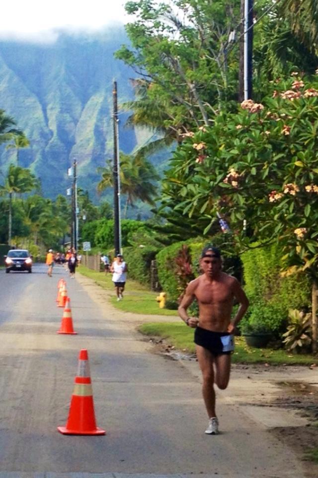 Pierce running the 8 Mile: Haena to Hanalei