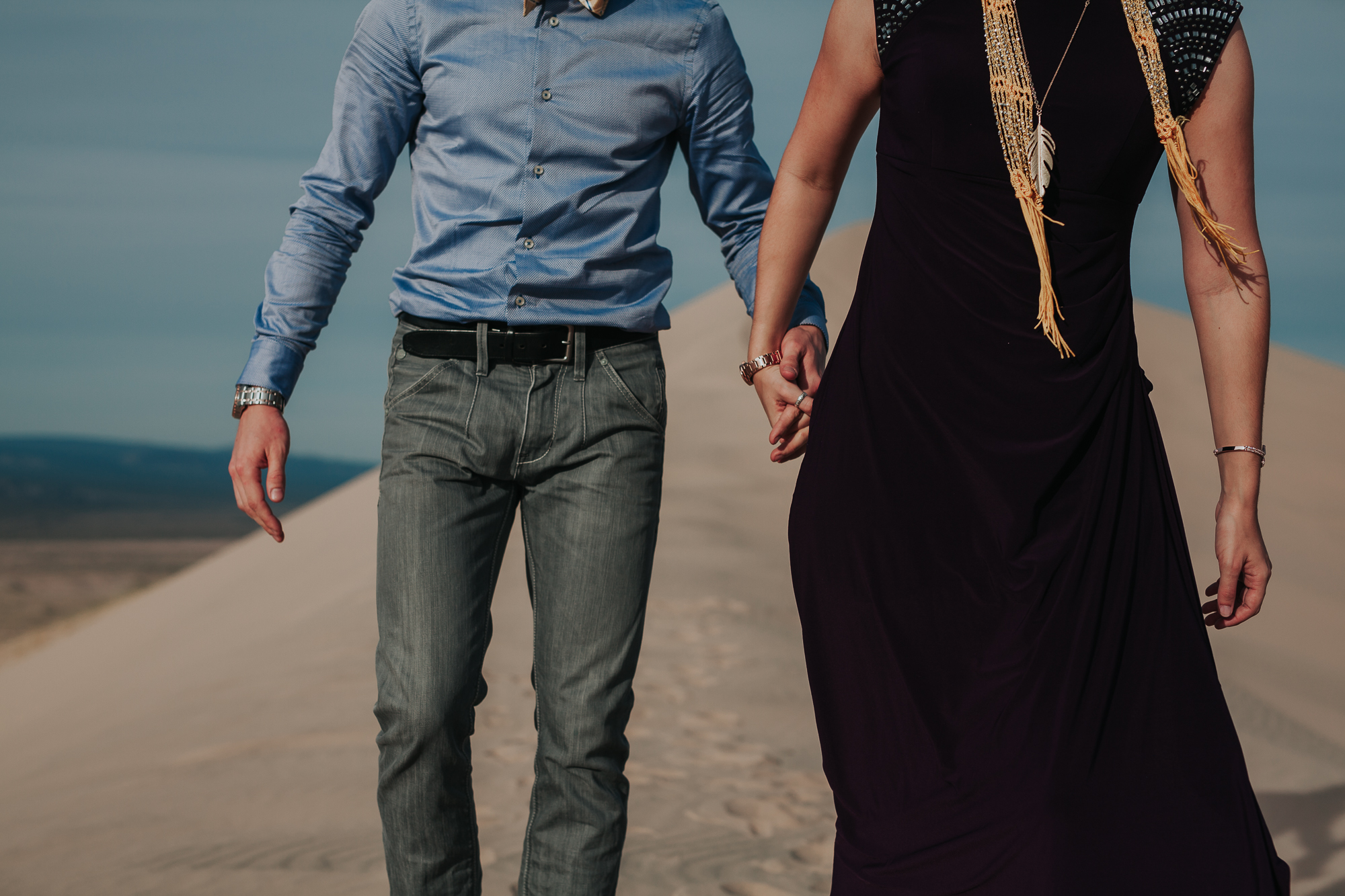 brandy.andrew. kelso sand dunes mojave desert  engagement session-34.jpg