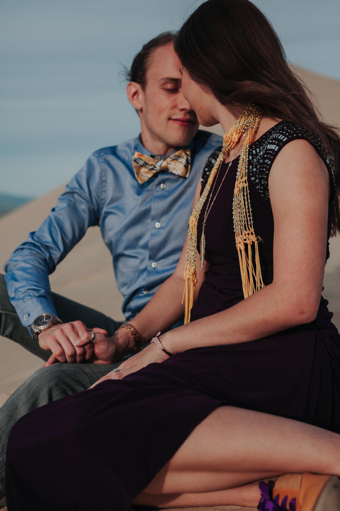 brandy.andrew. kelso sand dunes mojave desert  engagement session-42.jpg