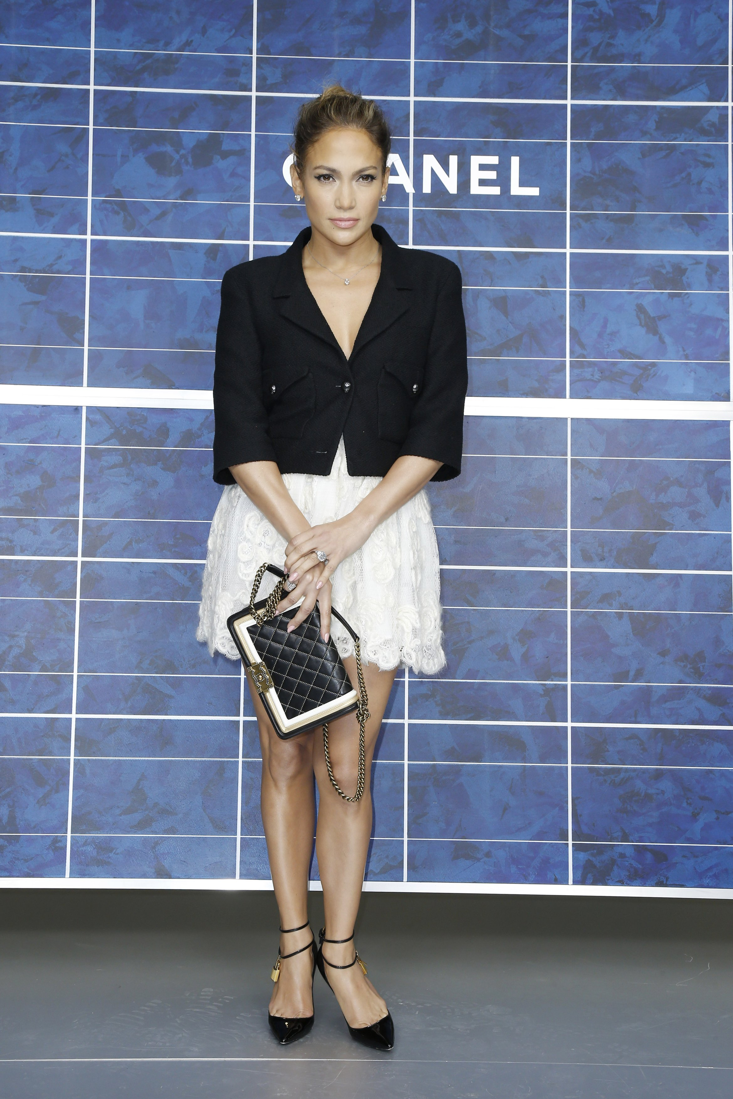 Jennifer Lopez image via  streetcatwalk.com