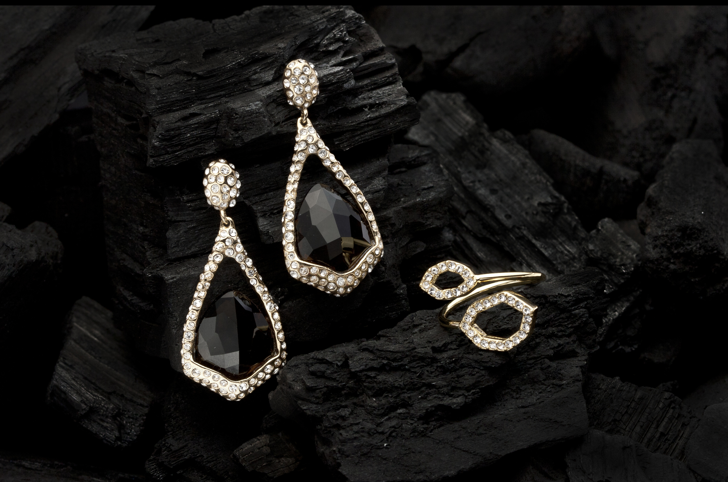 jewelry_Product_Photography_Example.jpg