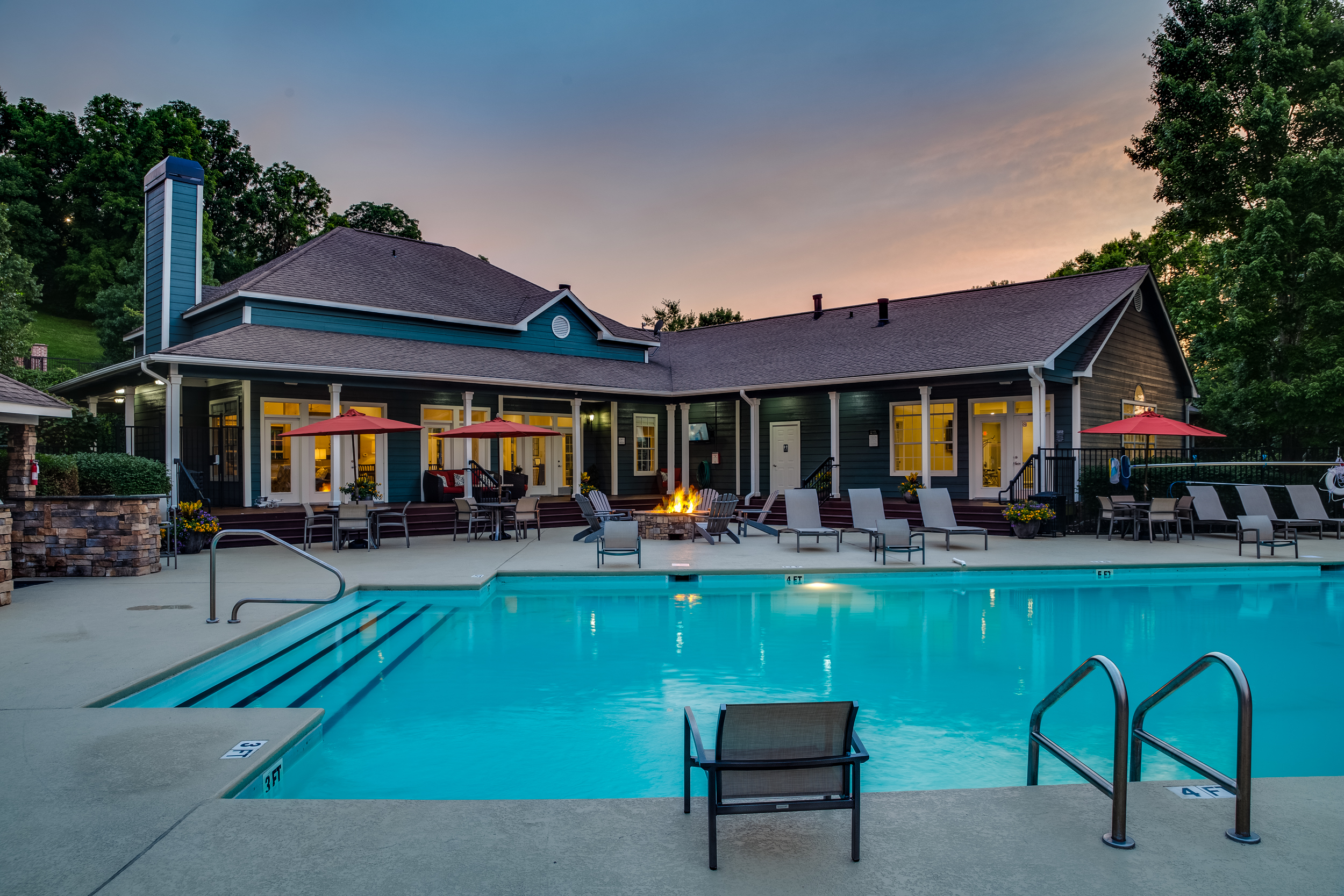 CarringtonHills_Pool-Dusk_Architecture_Photography.jpg