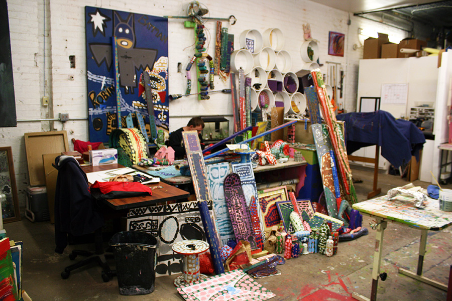 an artist's work space in the studio