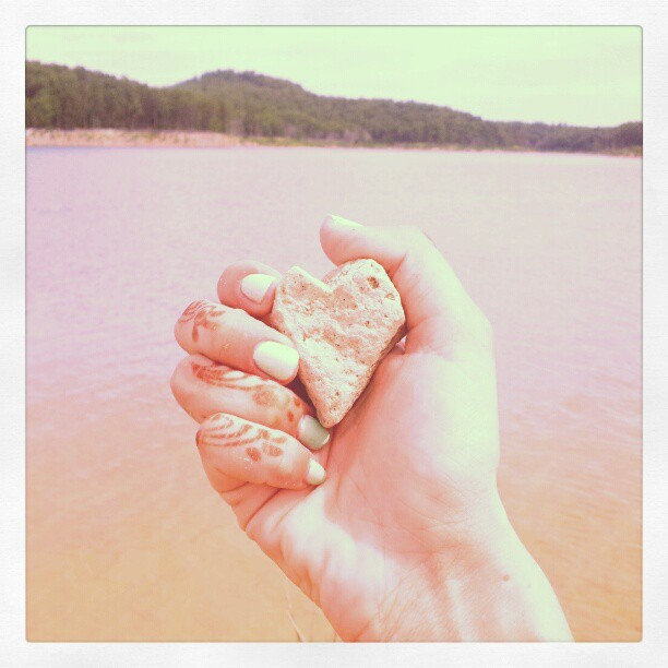 arkansas rock heart.jpg