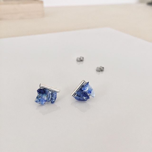 Finders Keepers Melbourne x WhiteLightly 18-20 Oct - it's a date ⠀ Lapis Lazuli Bar Studs for Enlightenment 🌊 ⠀ .⠀ .⠀ .⠀ .⠀ .⠀ #shoplocal #handmade #crystals #earrings #lovelocal #love #magical #datenight #Enlightenment #jewellery #thefinderskeepers #melbournefinderskeepers #melbourneshopping #gemstonejewellery #crystalearrings #gemstones #handmadejewellery #supportsmall #localmakers #lapislazuli #madeinmelbourne #modernjewellery #craft #whitelightly #finderskeepers