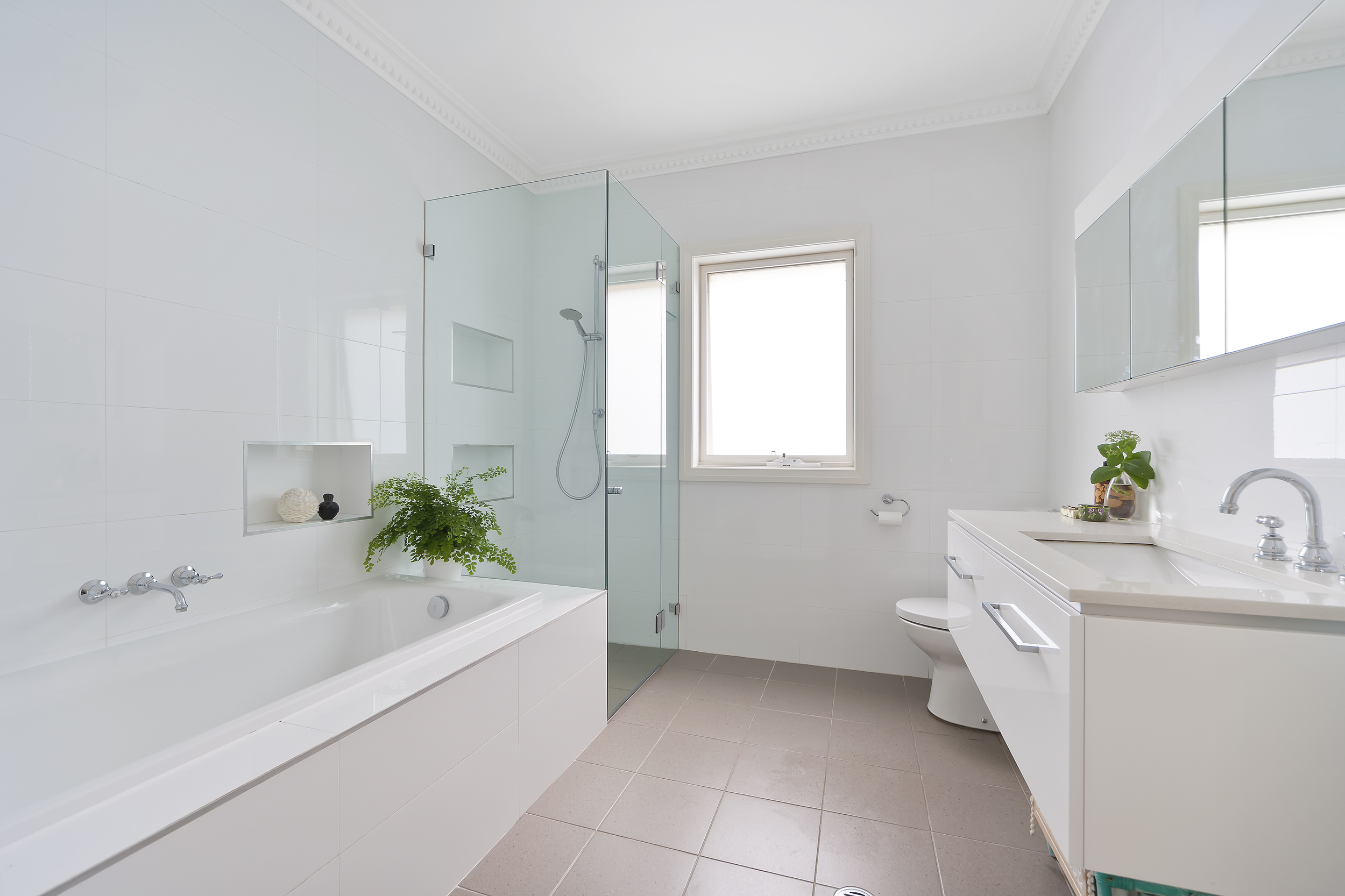 bathroom - Modern.jpg