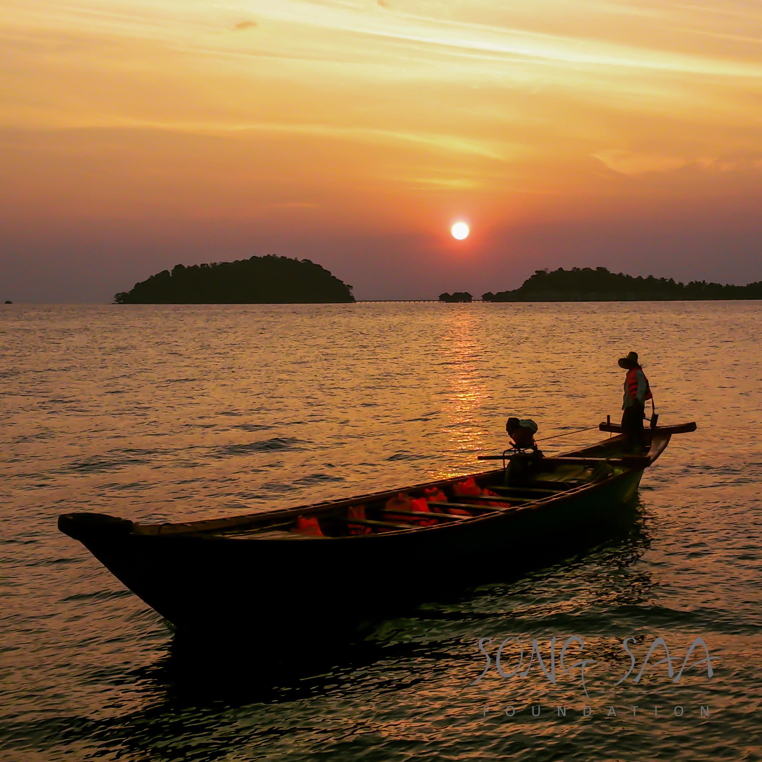 KohRong_SunriseBoatToWork_SSF.jpg