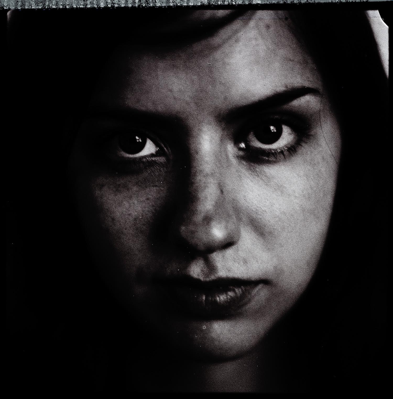 <i>Laura</i>, 2006, Polaroid 665, 8.5 x 10.8 cm