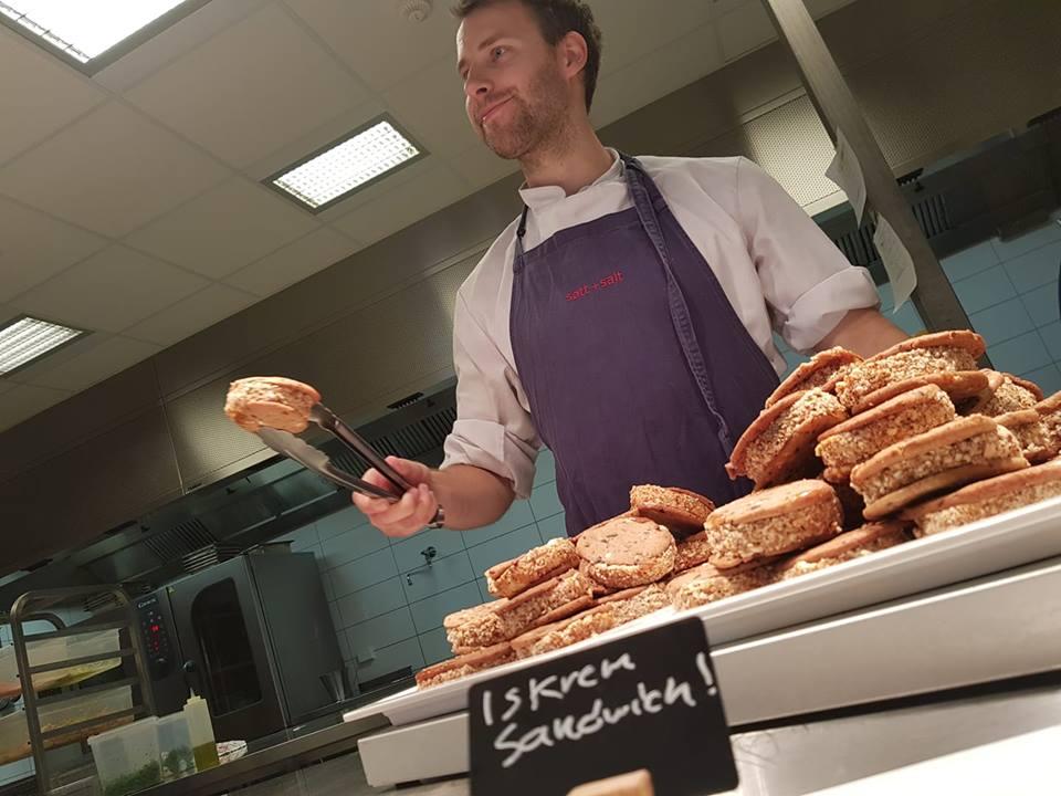 Mattias pumper ut iskremsandwicher til den store gullmedalje.