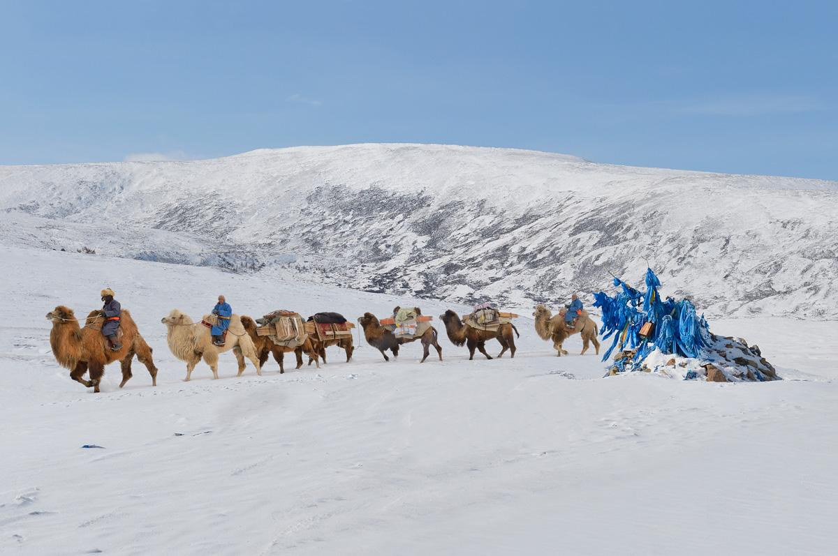 marc-progin-the-worshipping-journey-to-mountain-ovoo-web.jpg