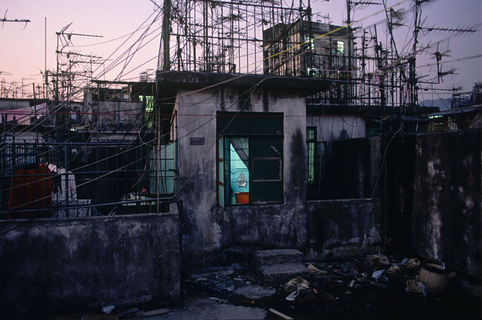 Rooftop apartment, Walled City, 1991