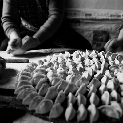 Jo Farrell, Su Xi Rong dumplings, 75 years old (China, 2008)