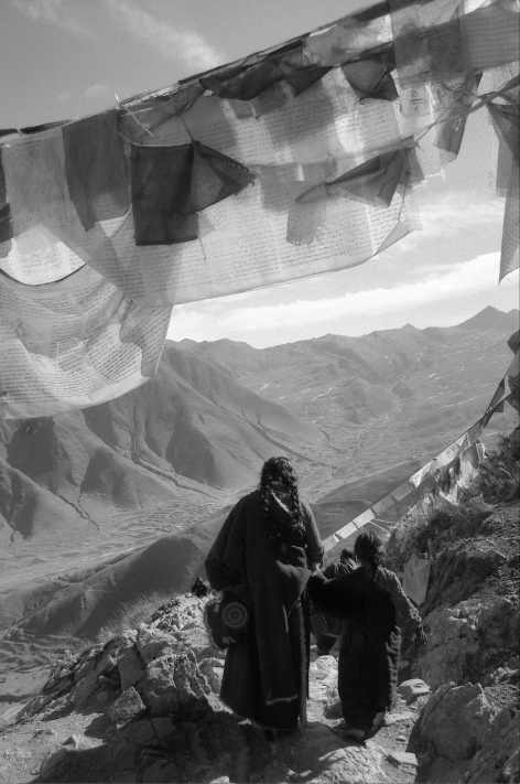 Jo Farrell, Kora, Ganden Monastery (Tibet, 2004)
