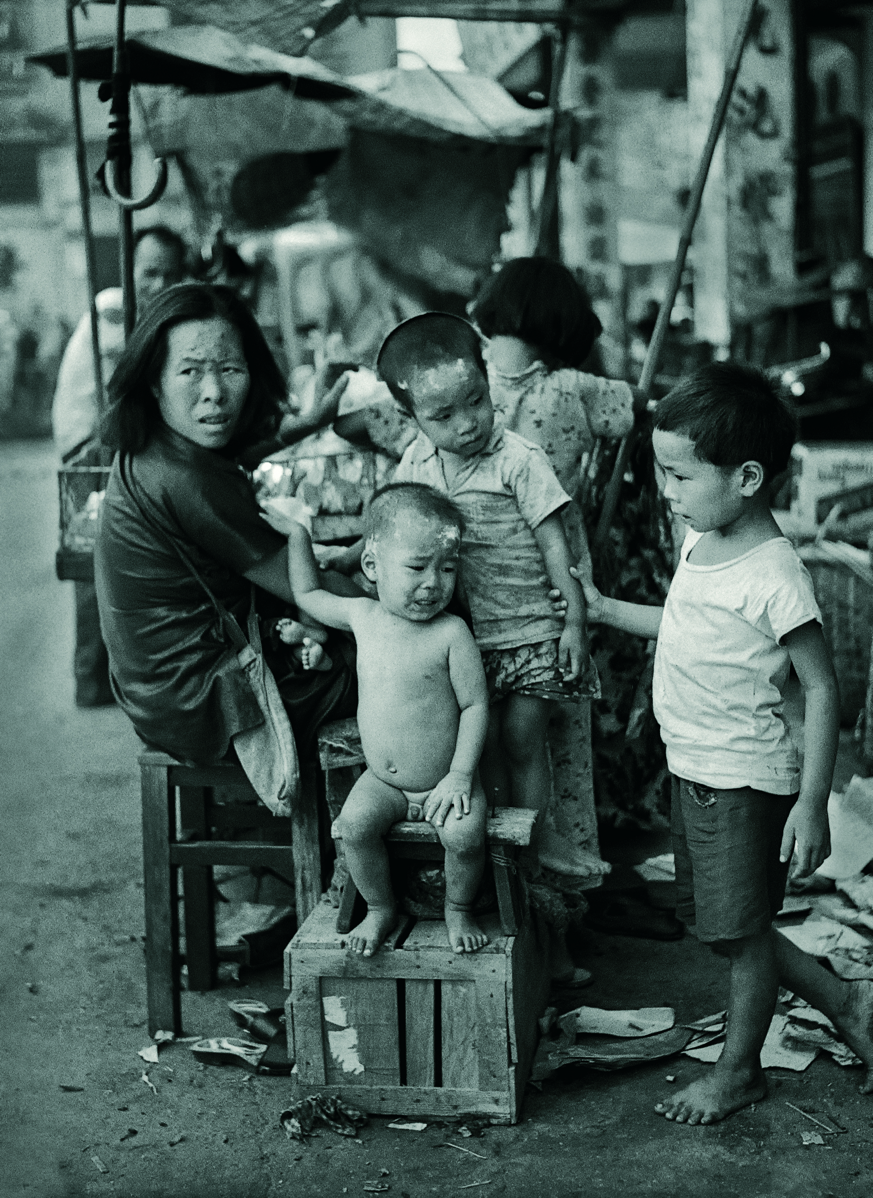 Five Little Ones(五個小孩的母親)_ copy.jpg
