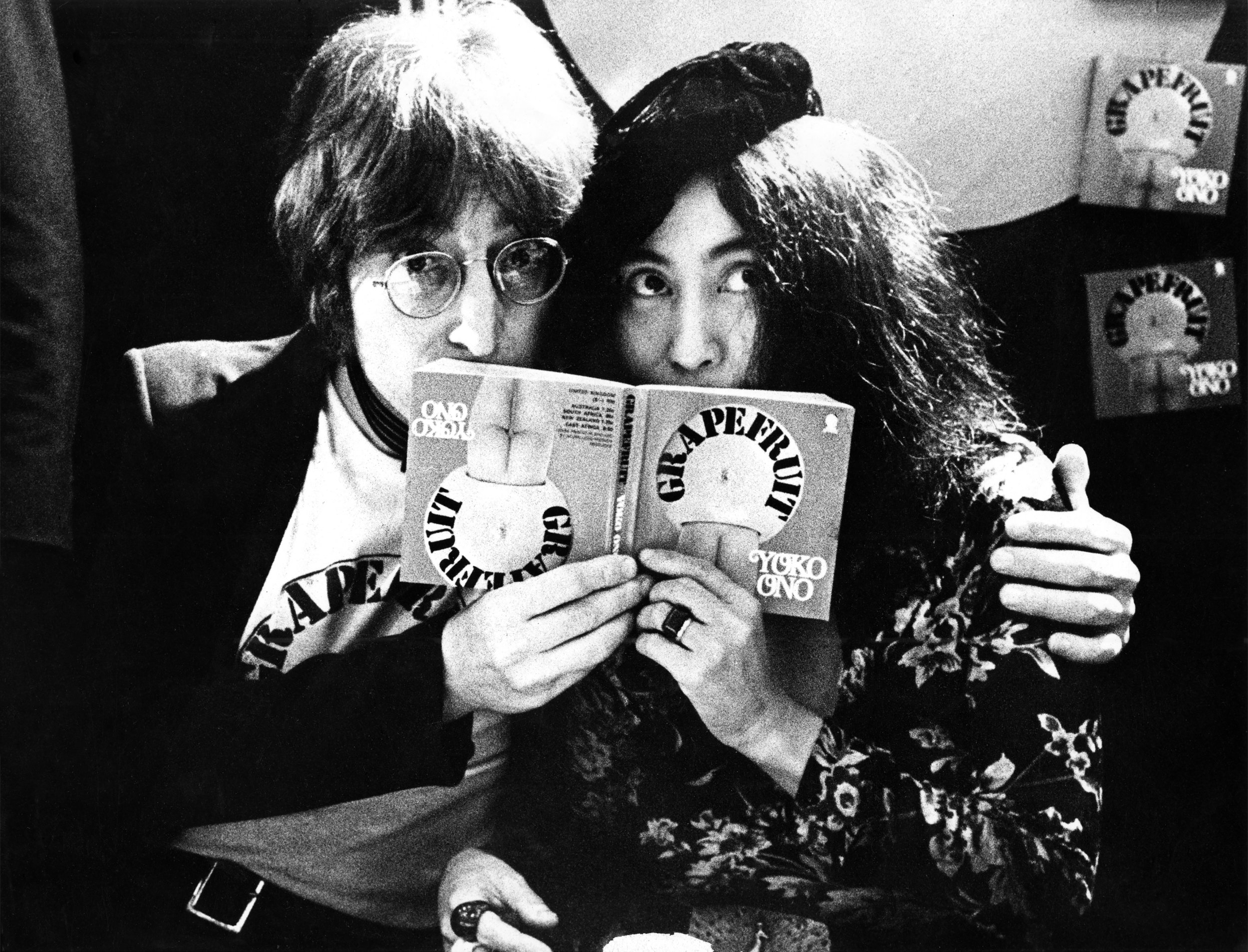 Gijsbert Hanekroot 'John Lennon : Yoko Ono' (UK, 1971) Courtesy Blue Lotus Gallery.jpg