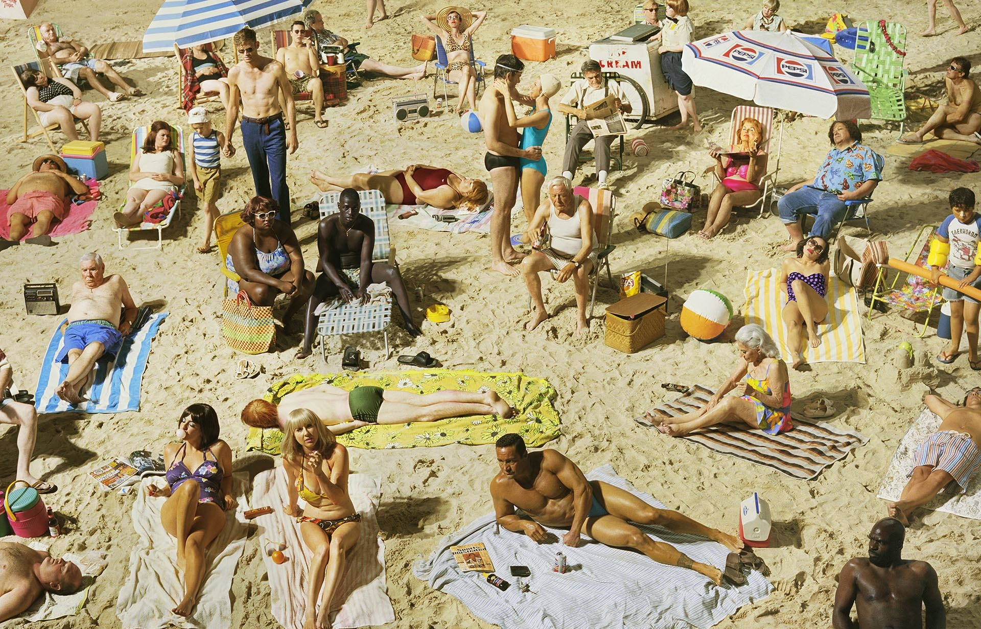 Alex Prager,  Crowd #3 (Pelican Beach) , 2013