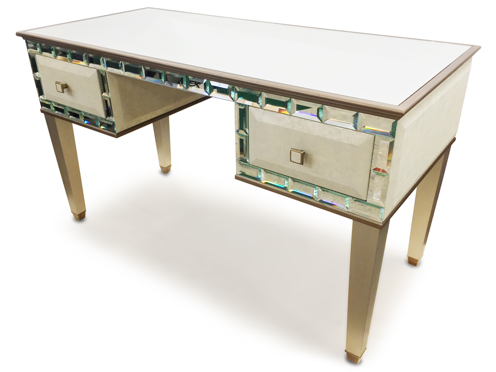 CHARLESTON TIFFANY    Standard Dimension:   W  138cm x D 60cm x H 75cm