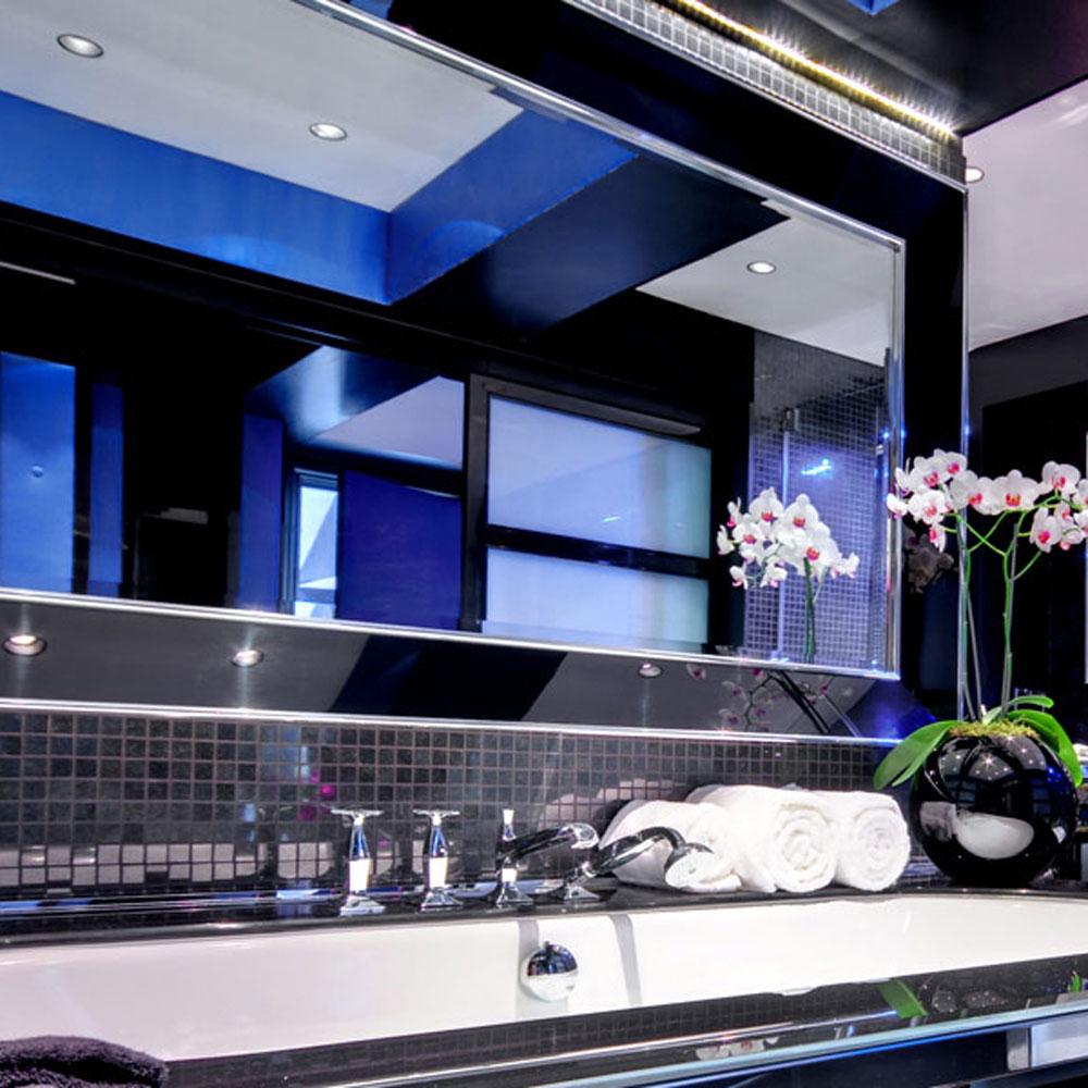 boite-black-perspex-television-tv-mirror-22.jpg