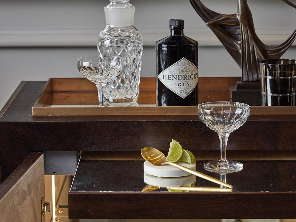byzantine-drinks-cabinet-2.jpg