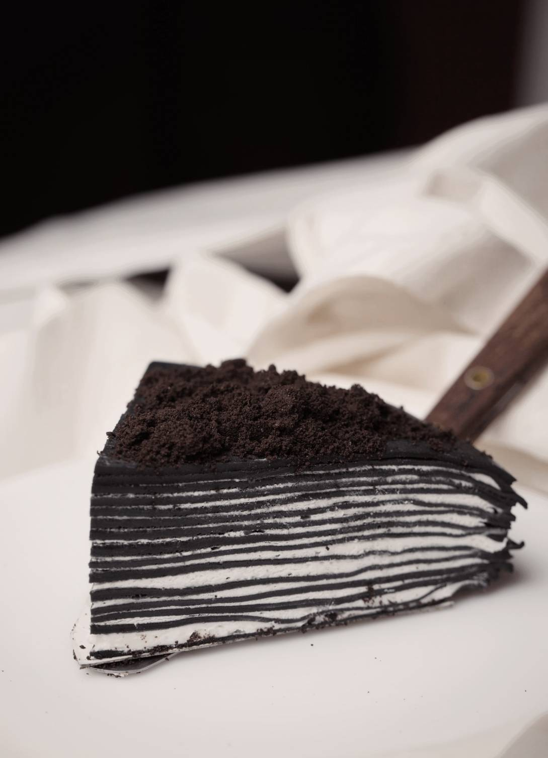 CHARCOALCREPECAKE - Better in BLACK