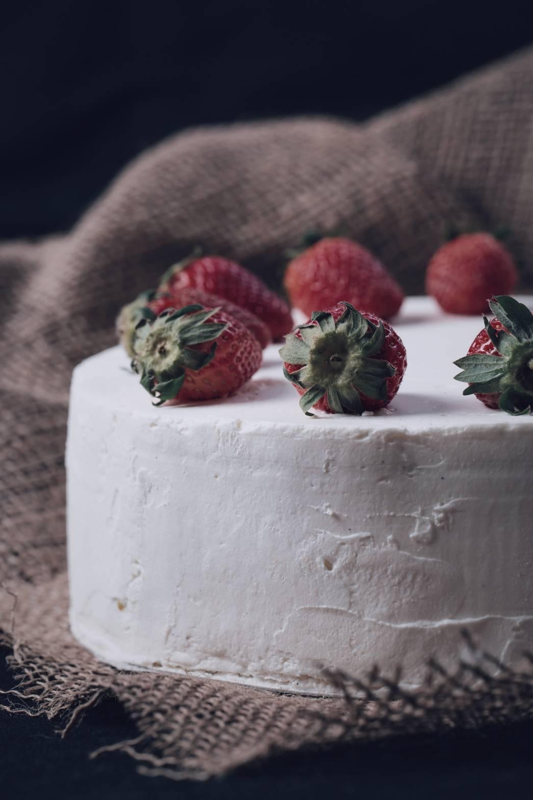 STRAWBERRYSHORT CAKE - Yummy berry muchhhhh!