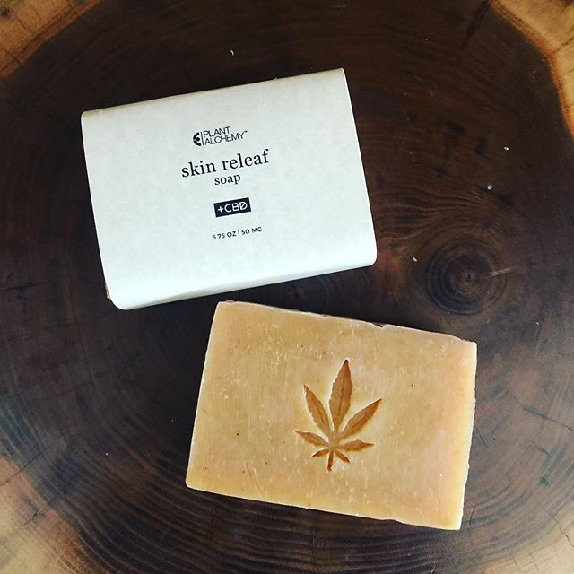 SKIN RELEAF Soap-  custom formulation made for @thealchemistskitchen-  in NYC -  handcrafted with skin soothing herbs and botanicals and 50mg of CBD.  Purchase this and other feel good greenlife items on their website. 🌿 🛀💚@bowerycannabisclub . . . . . . . #nyc #soap #greenlife #naturalliving #custom #smallbatch #plantbased #cbd #herbs #botanicals healing #skin #eczema #psoriasis  #natural #hamptons #handcrafted #powerofplants #southamptonsoapco #cometoyoursenses #lovetheskinyourein