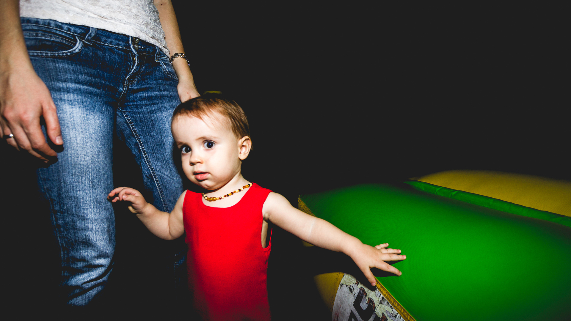 frames_0007_dete mama devojcica.jpg.jpg
