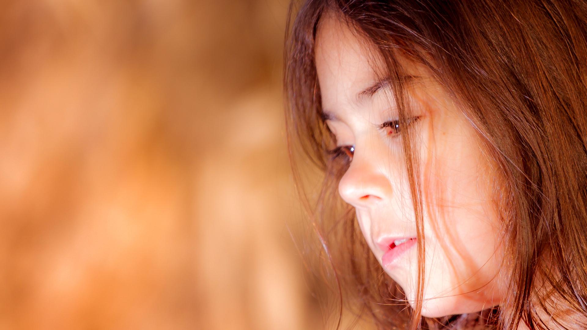 frames_0017_lana dete portret narandzasto svetlo.jpg.jpg