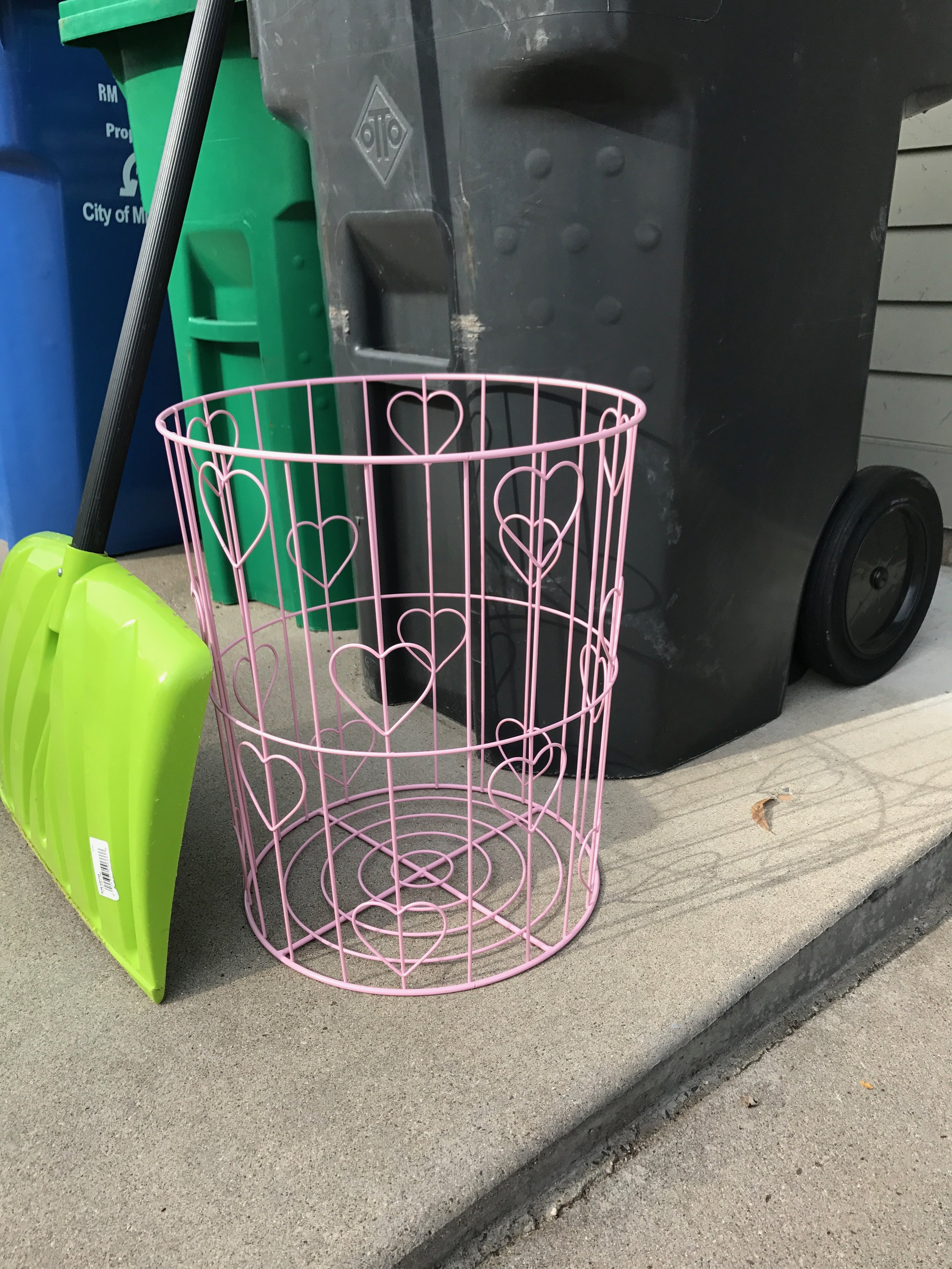 One man's trash is another man's treasure. My neighbor was getting rid of this cute pink basket and I scooped it up to give to the Simpson House for a family with two girls.