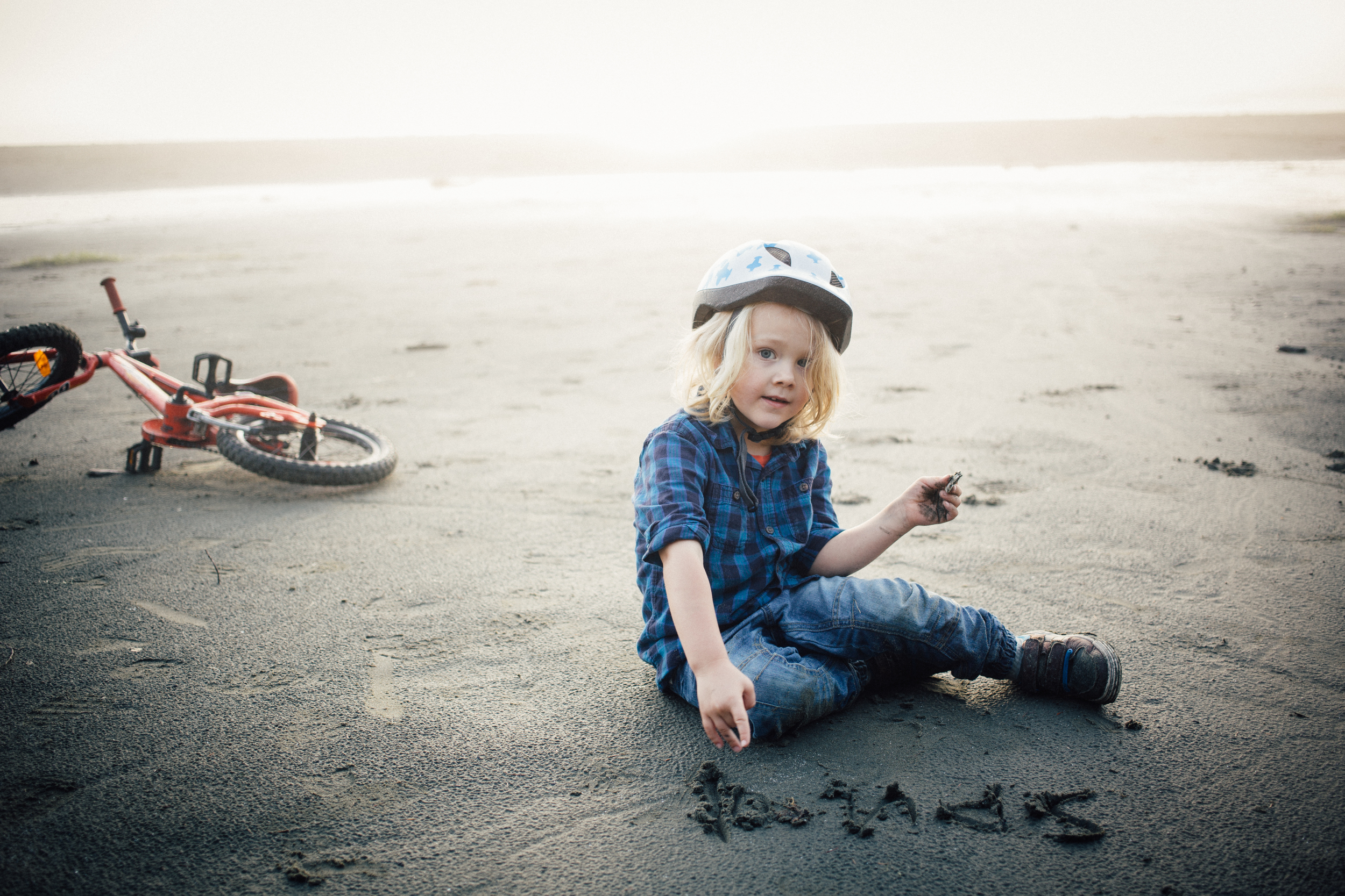 dogwoodphotography_photographer_vancouver_family_fallcamping-14.jpg
