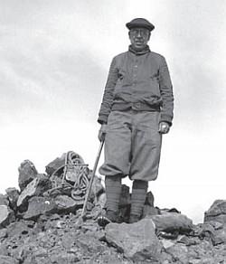 machen-mountain-hike-1930s-250px
