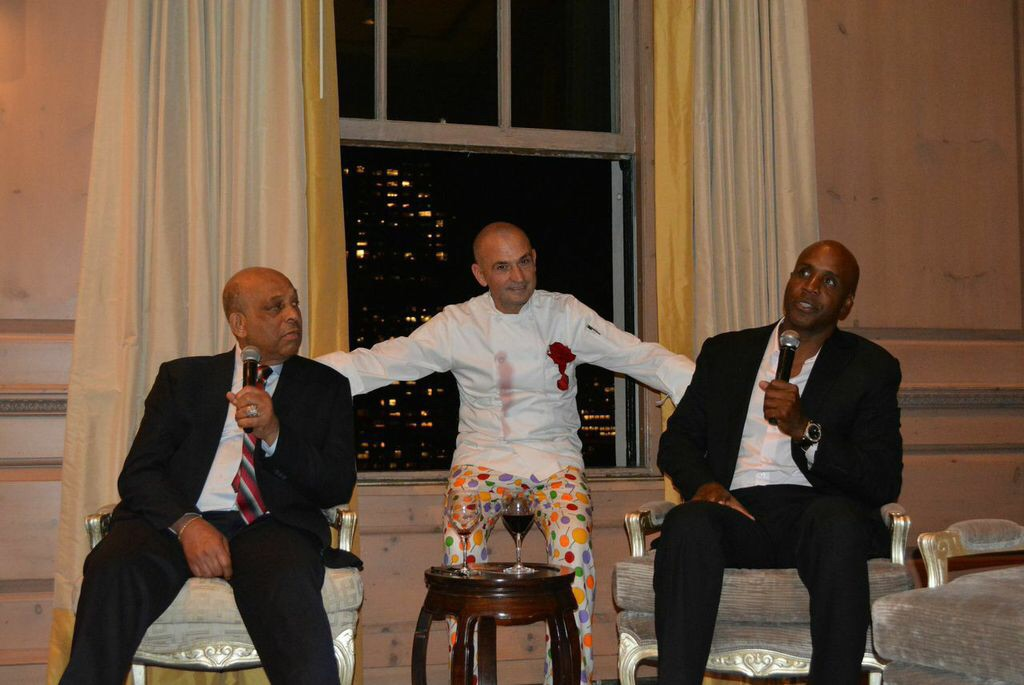 Is Amazing to cook for 2 Champs like Orlando Cepeda & Barry Bonds.