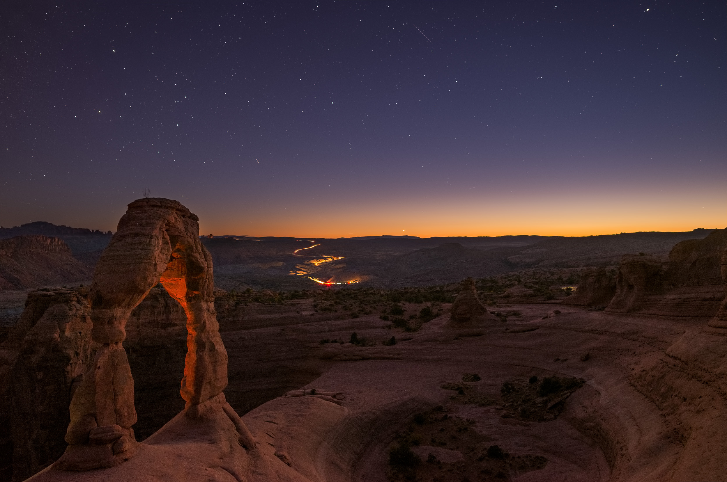 Just before twilight at Delicate Arch, Arches National Park, Utah.