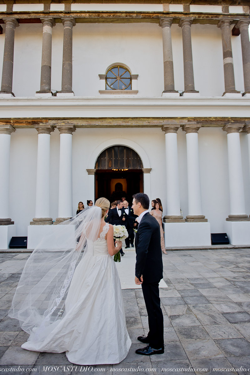 01161-MoscaStudio-Hacienda-La-Escoba-Guadalajara-Mexico-wedding-photography-20150814-SOCIALMEDIA.jpg