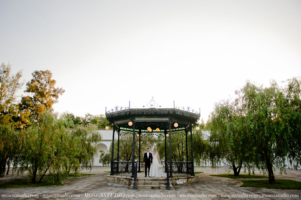 01260-MoscaStudio-Hacienda-La-Escoba-Guadalajara-Mexico-wedding-photography-20150814-SOCIALMEDIA.jpg