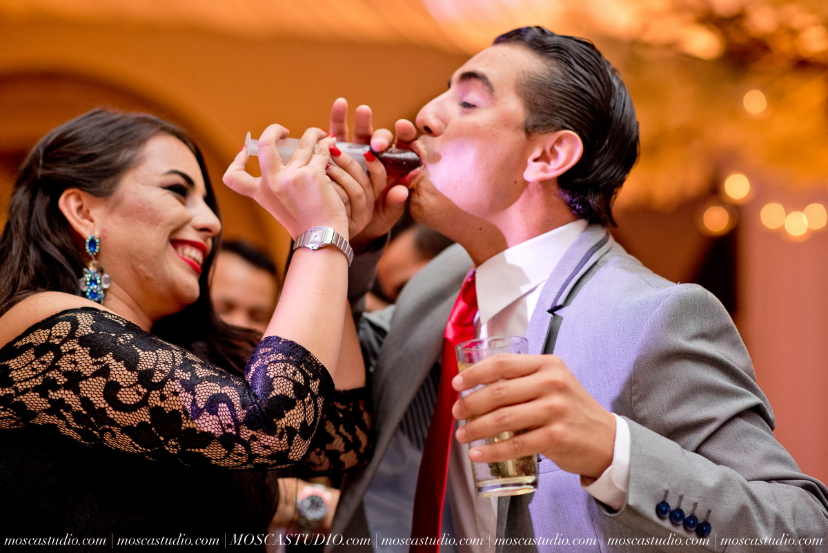01943-MoscaStudio-Hacienda-La-Escoba-Guadalajara-Mexico-wedding-photography-20150814-SOCIALMEDIA.jpg