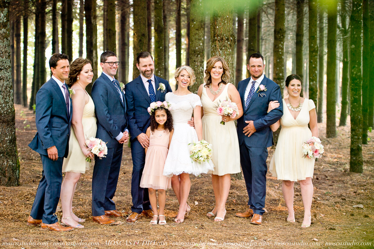 00182-MoscaStudio-Red-Ridge-Farms-Oregon-Wedding-Photography-20150822-SOCIALMEDIA.jpg