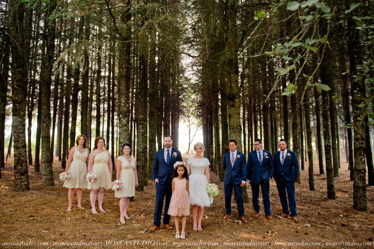 00190-MoscaStudio-Red-Ridge-Farms-Oregon-Wedding-Photography-20150822-SOCIALMEDIA.jpg