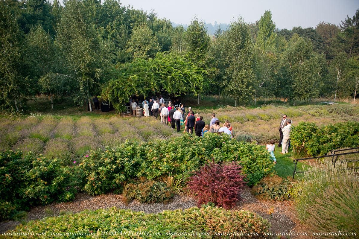 00281-MoscaStudio-Red-Ridge-Farms-Oregon-Wedding-Photography-20150822-SOCIALMEDIA.jpg